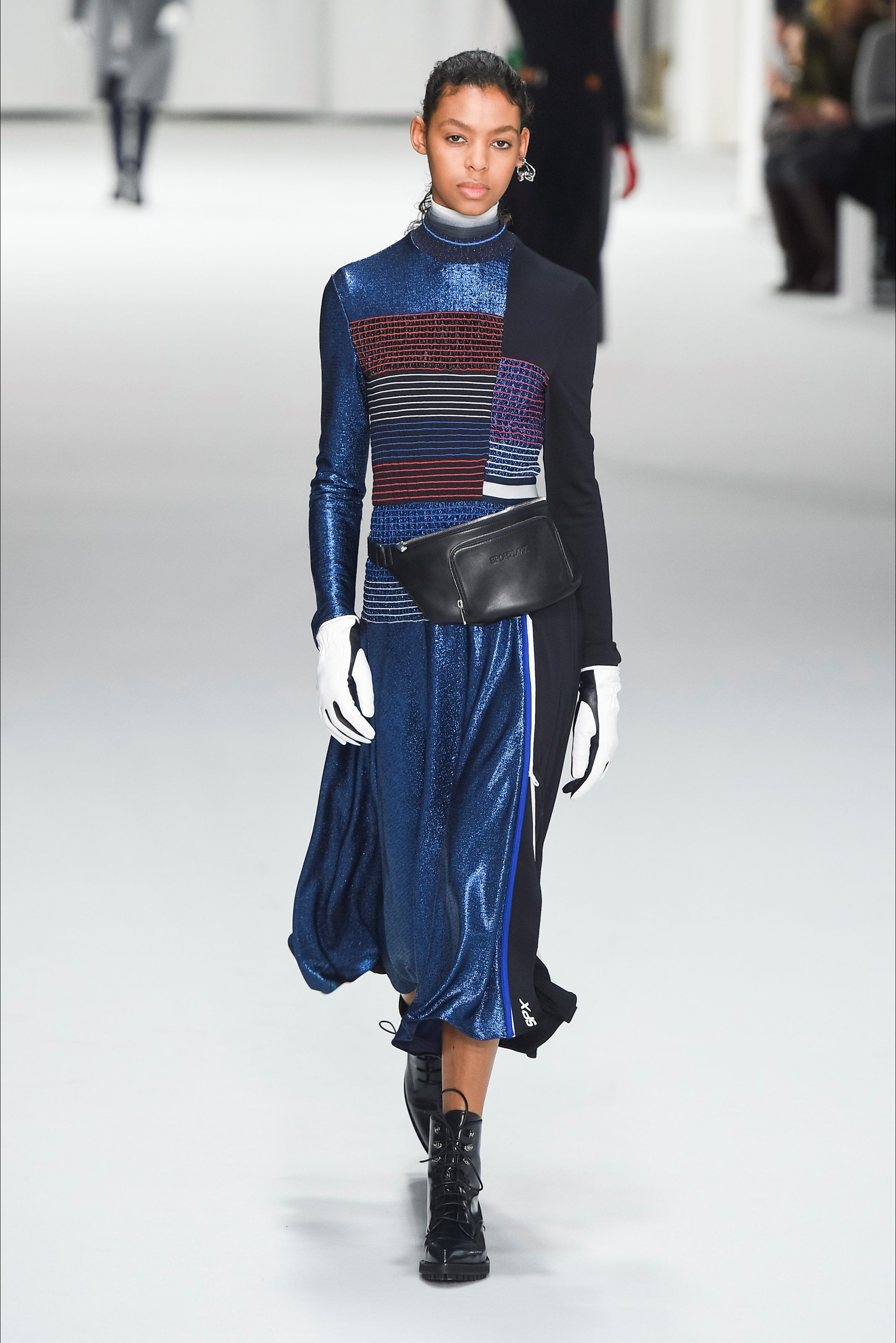 74d2fbef6d Sportmax Milano - Collections Fall Winter 2018-19 - Shows - Vogue.it ...
