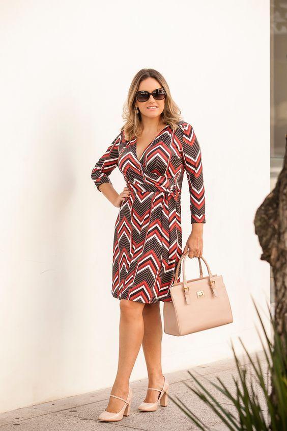 1607cdf09 Como usar vestido envelope? O vestido que favorece todo tipo físico ...