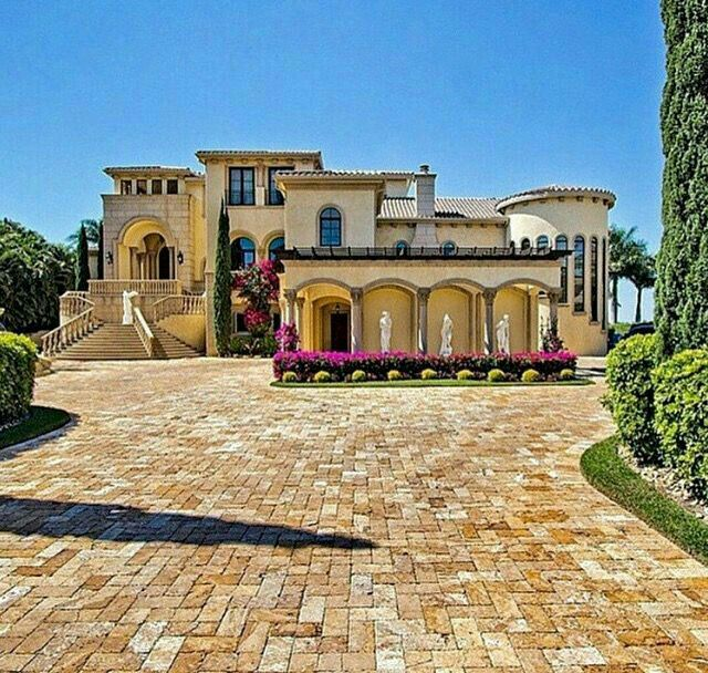 15 Utterly Luxurious Mediterranean Mansion Exterior: Pin By Irene On Dream Home