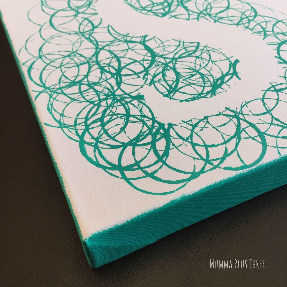 bubble initial canvas art tutorial - mumma be organised | diy & hand