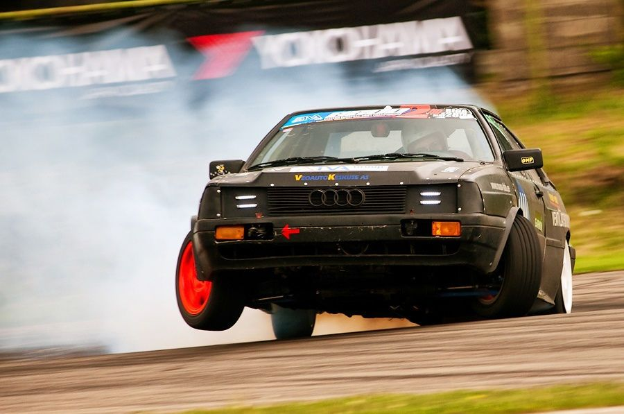 Rwd Audi Coupe With V8 4 2 From A8 Shows How To Drift