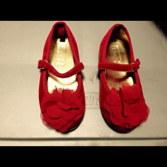 Crazy 8 dress shoe. Toddler size. Crazy 8 dress shoe worn once size 8. Red. Excellent condition Crazy 8 Shoes Flats & Loafers