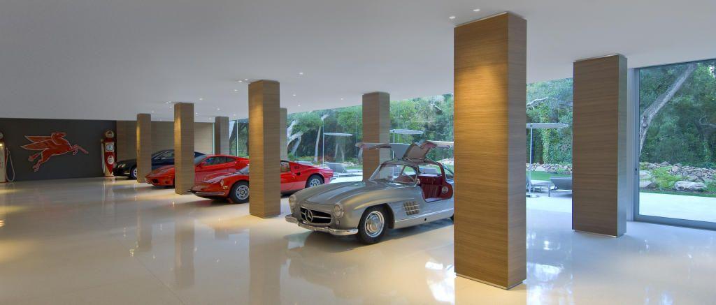 Personal Showroom Garage : Glass pavilion house car display showroom garage