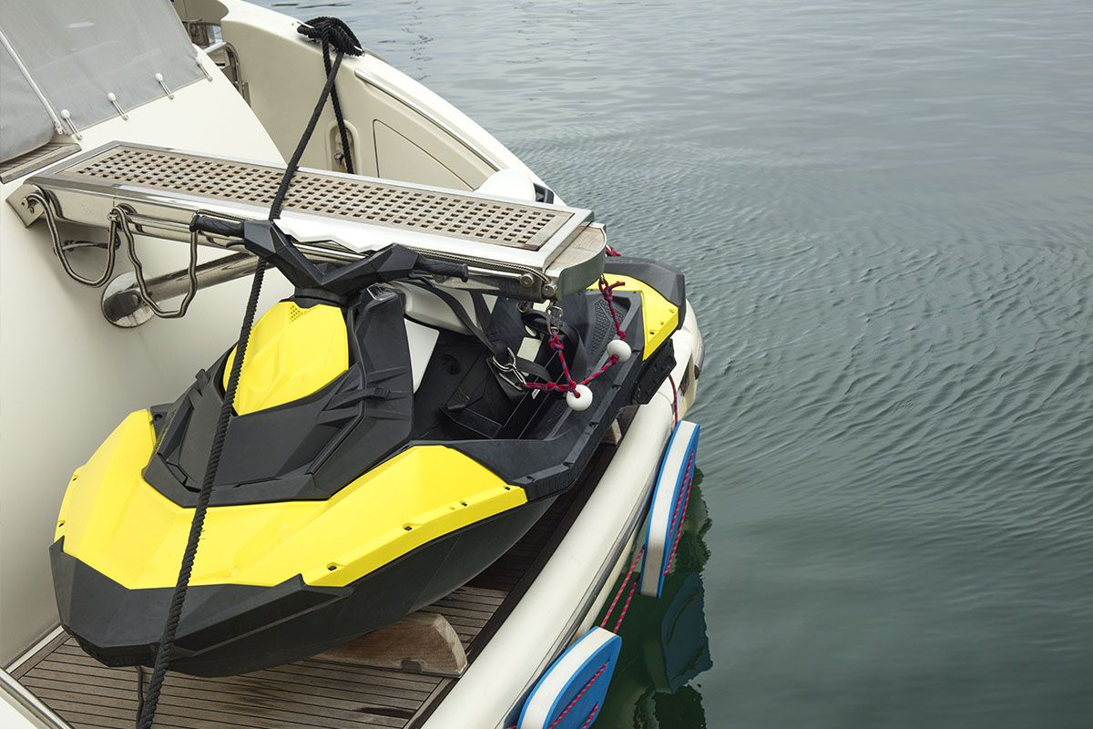8 simple ways to store a jet ski on boat swim platform