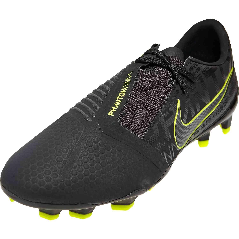 Nike Phantom Venom Pro Fg Under The Radar Soccerpro In 2020 Nike Cool Boots All Black Sneakers