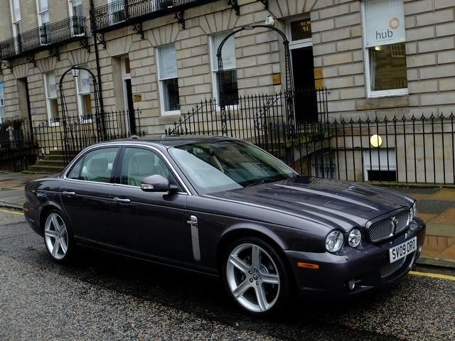 2009   Jaguar XJ 2.7 TDVi Sovereign 4dr
