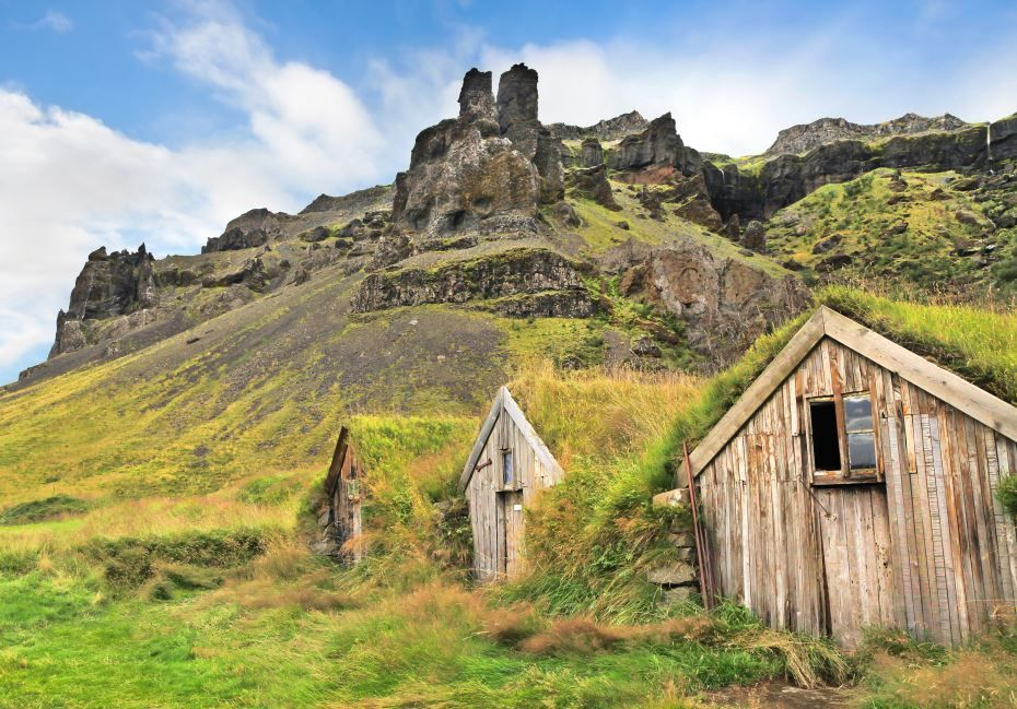 Take a look at the stunning landscape with traditional turf houses at Nupsstadur farm near Skaftafell National Park!
