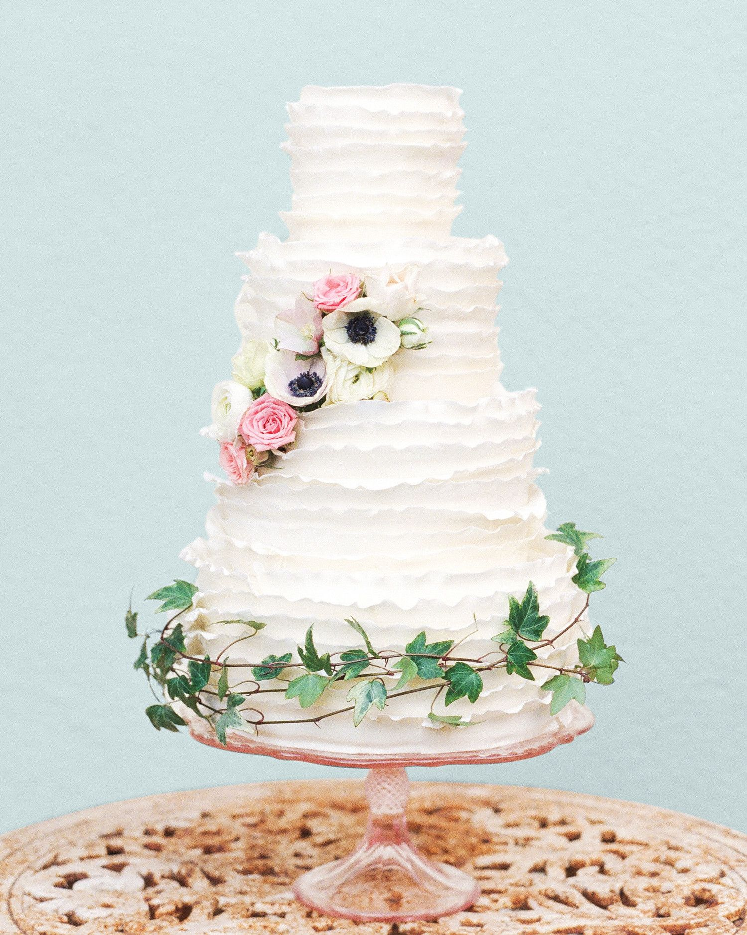 32 Amazing Wedding Cakes You Have to See to Believe | White anemone ...