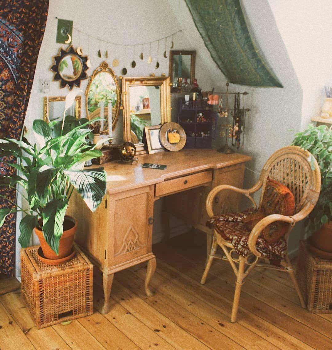 Travelex Korean Won Outside Acre Jewellery Exchange Home Decor Bedding Vintage Home Decor Retro Home Decor