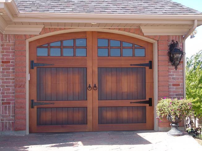 Pin De Carriage House Door En Puertas De Madera Puertas De Madera Amarres Puertas