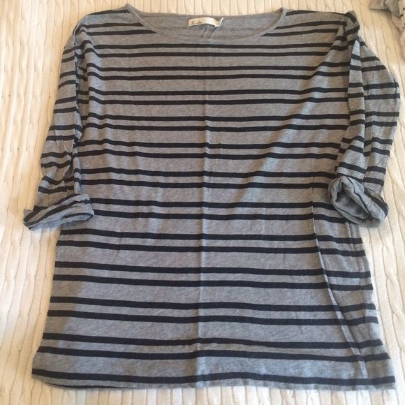 Madewell oversized tee Madewell size Small oversized tee in grey and black stripe.  This is a comfortable, easy knit with pre-cuffed sleeves. Madewell Tops Tees - Long Sleeve