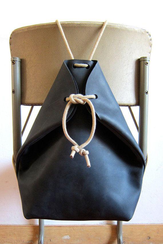 minimal rucksack black i want to wear pinterest leder taschen und beutel. Black Bedroom Furniture Sets. Home Design Ideas