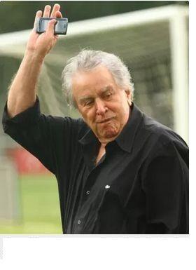 JORGE EDUARDO FONTES GARCIA - IN FOCUS: JUVENAL, O TAL, NO SARAVÁ DEIXA A GIRA, GIRAR, PRA...