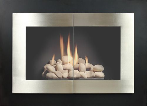 The Manhattan Door Is The Perfect Compliment To Any Clean And Modern Room It Is Remarkably Simple With H Glass Fireplace Fireplace Glass Doors Fireplace Doors