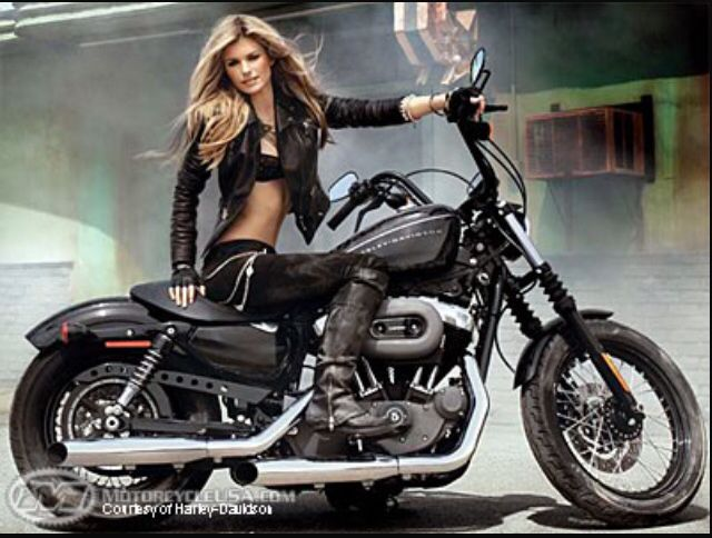This is my alllll time favorite Harley...even though I learned to ride on a 636 I prefer this bad boy or shall I say girl ;) once Aubreys a little older we'll get one