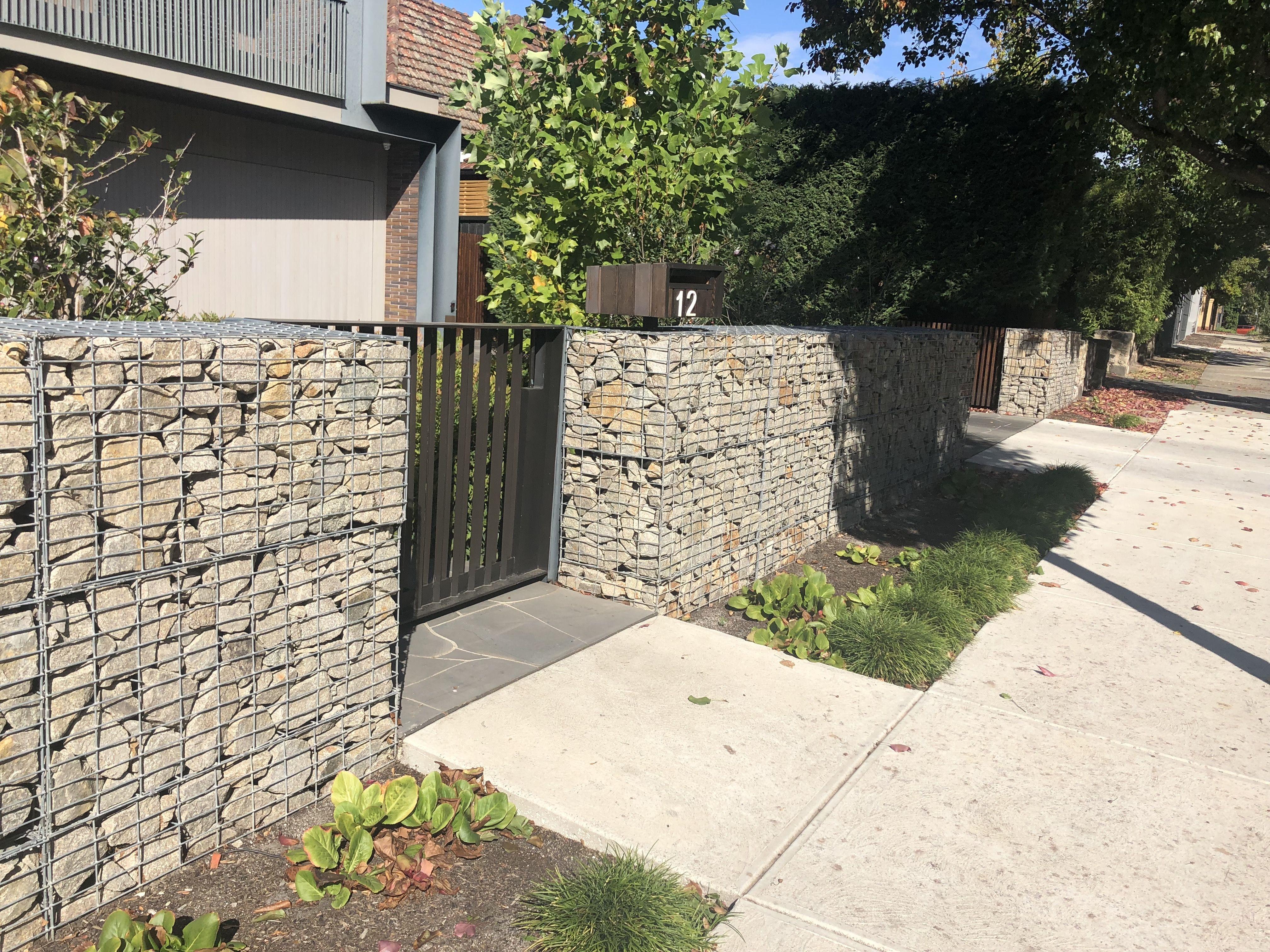 Gabion Wall Retaining Wall To Rear Garden Outdoor Decor Gabion Wall Landscape Materials