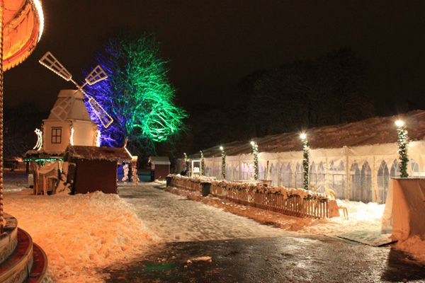 Windsor On Ice (2010), outside the ice rink marquee - we even got snow!