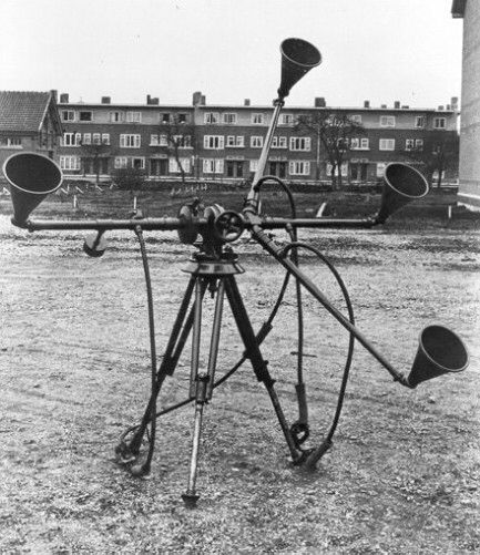 Acoustic locator - early warning in 1920-30s