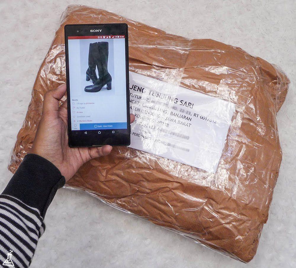 Pengalaman Jualan Barang Preloved Fashion Wanita Secara Online Pakai Smartphone Dengan Mobile Apps Carousell Carousell Carousellid Aplikasi Smartphone Alam