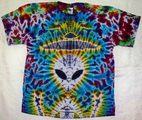 457704ca2e1dc Free Shipping - Handmade Alien Tie Dye Shirt | tie dye | Tie dye ...