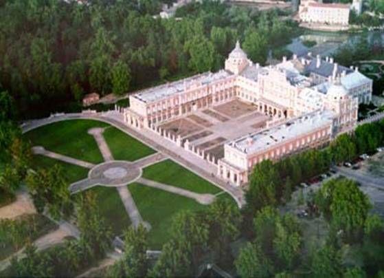 El palacio real de aranjuez los inmensos jardines for Aranjuez palacio real y jardines