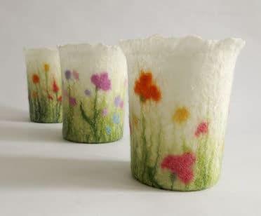 Kurs: Windlichter mit Blumenwiesen-Dekor filzen - HANDMADE Kultur