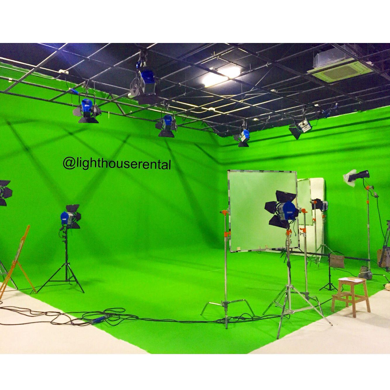 We have a sound proof film chroma studio in Dubai for hire
