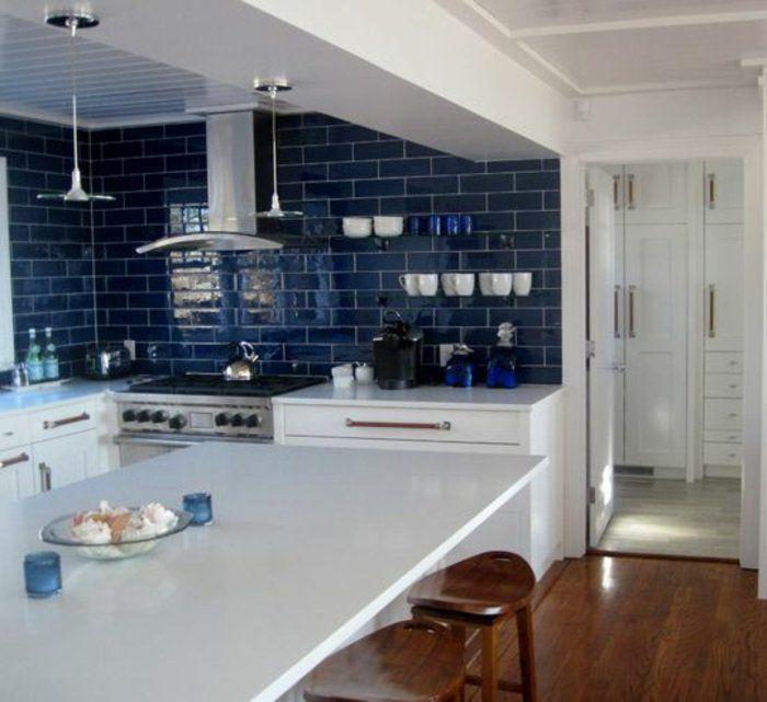 Le carrelage mural en 50 variantes pour vos murs! Kitchens - adhesif pour plan de travail cuisine