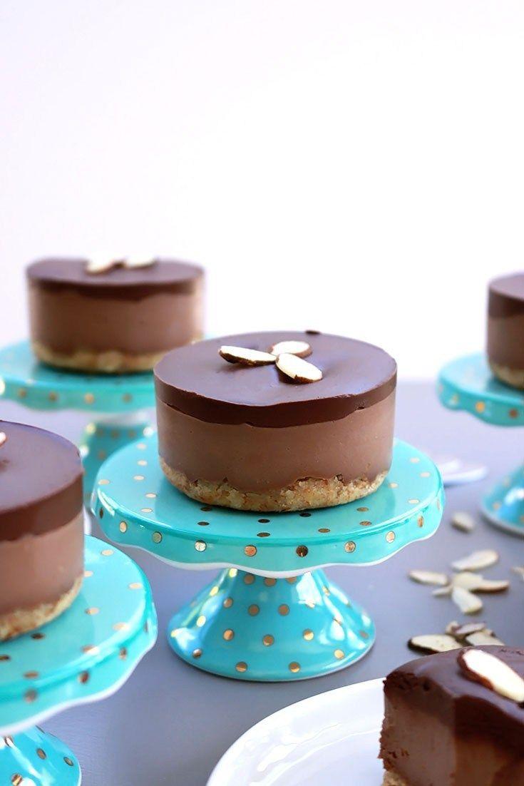 Mini Chocolate Cream Cakes (Passover)