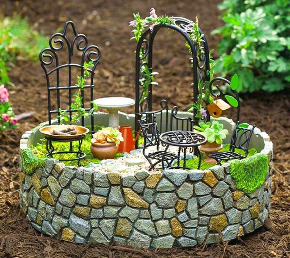 L\'art du mini jardin coquet | pot terre cuite | Pinterest | Jardins ...