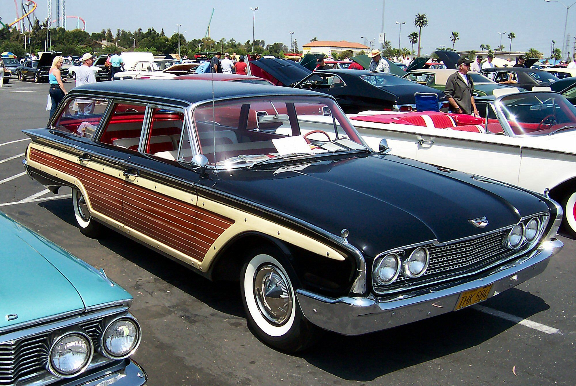 Ford country squire station wagon car of my childhood