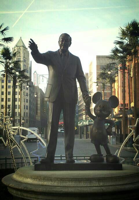 Walt Disney Statue Partners In Walt Disney Studios Park Paris