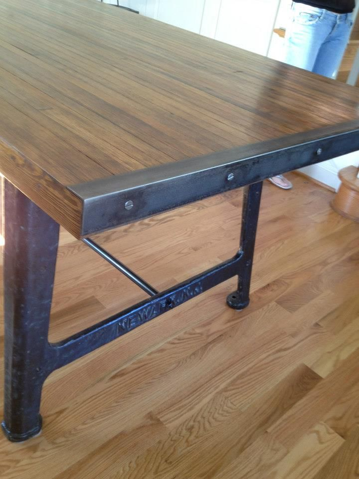 Detail of reclaimed bowling alley wood top table steel - Protege angle de table ...
