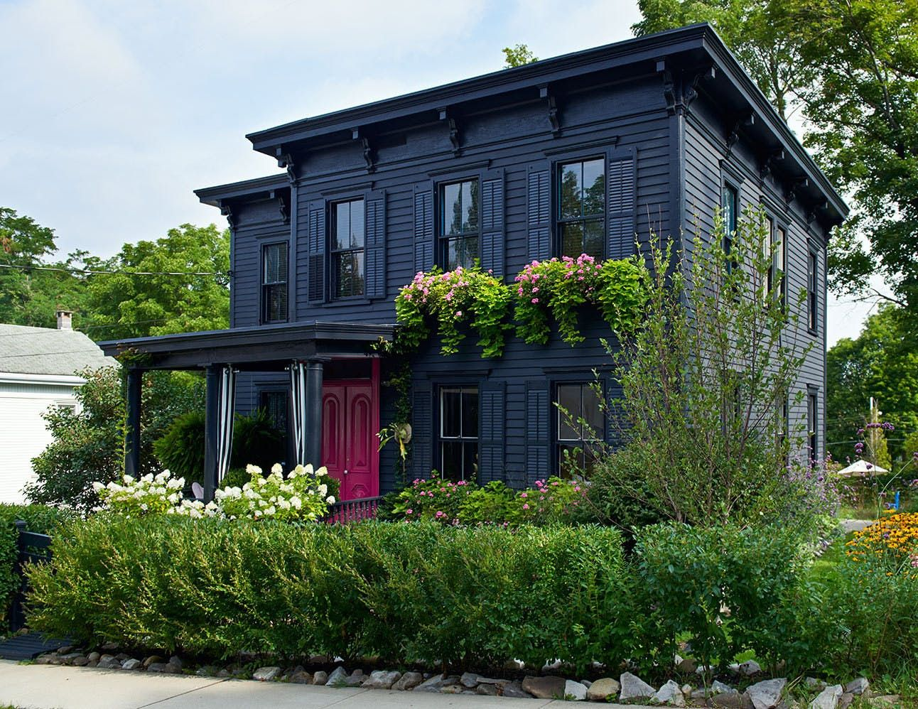 Unusual Exterior Paint Color Combos That Actually Look ...