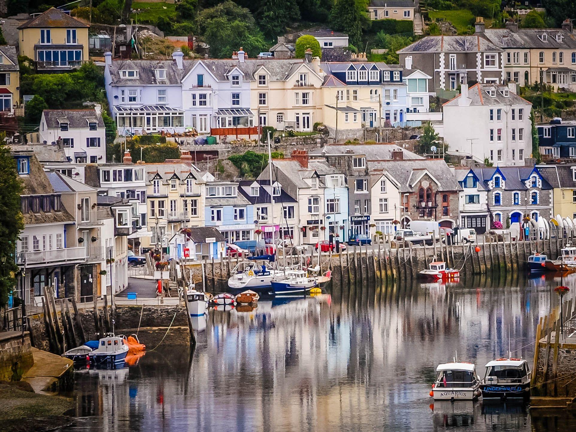 Looe Harbour by Alan Stewart