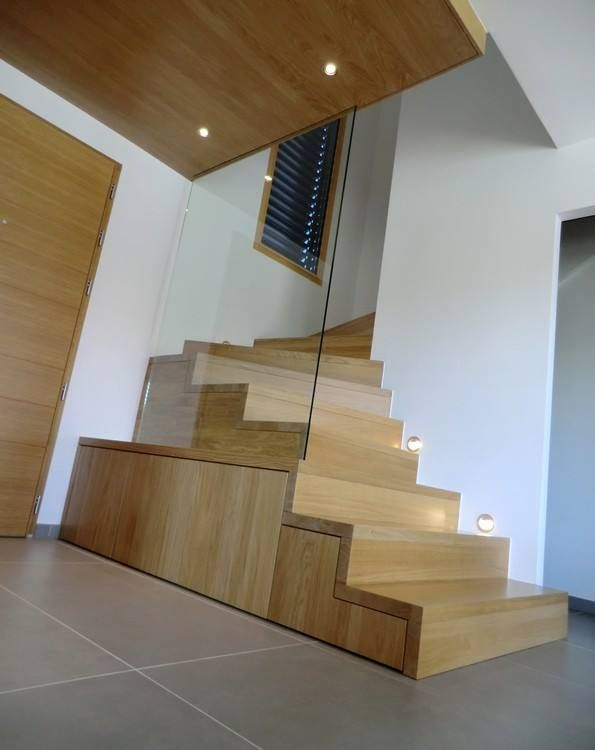 escalier linea un quart de tour avec garde corps en verre pour plus de photos rdv sur www. Black Bedroom Furniture Sets. Home Design Ideas