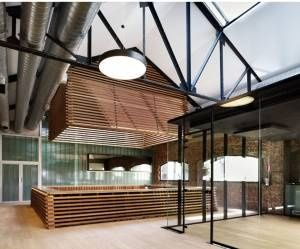 Lumière naturelle à l'intérieur d'un bâtiment : la solution fibre optique