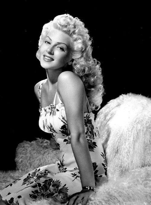 7ac10412debb Lana Turner  gorgeous  classic  style  hollywood  glamour  star  starlet   timeless  elegant  fashion  style