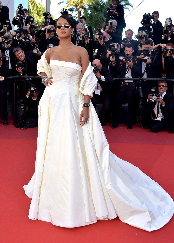 La red carpet de #Cannes2017 | Rihanna dress, Rihanna ...