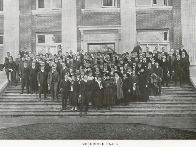 1915-16 UO sophomore class.  From the 1917 Oregana (UO yearbook).  www.CampusAttic.com