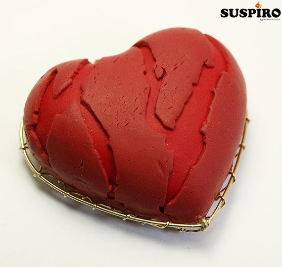 Red Heart Polymer Clay Brooch or Necklace Wire by SuspirobyAF, €35.00