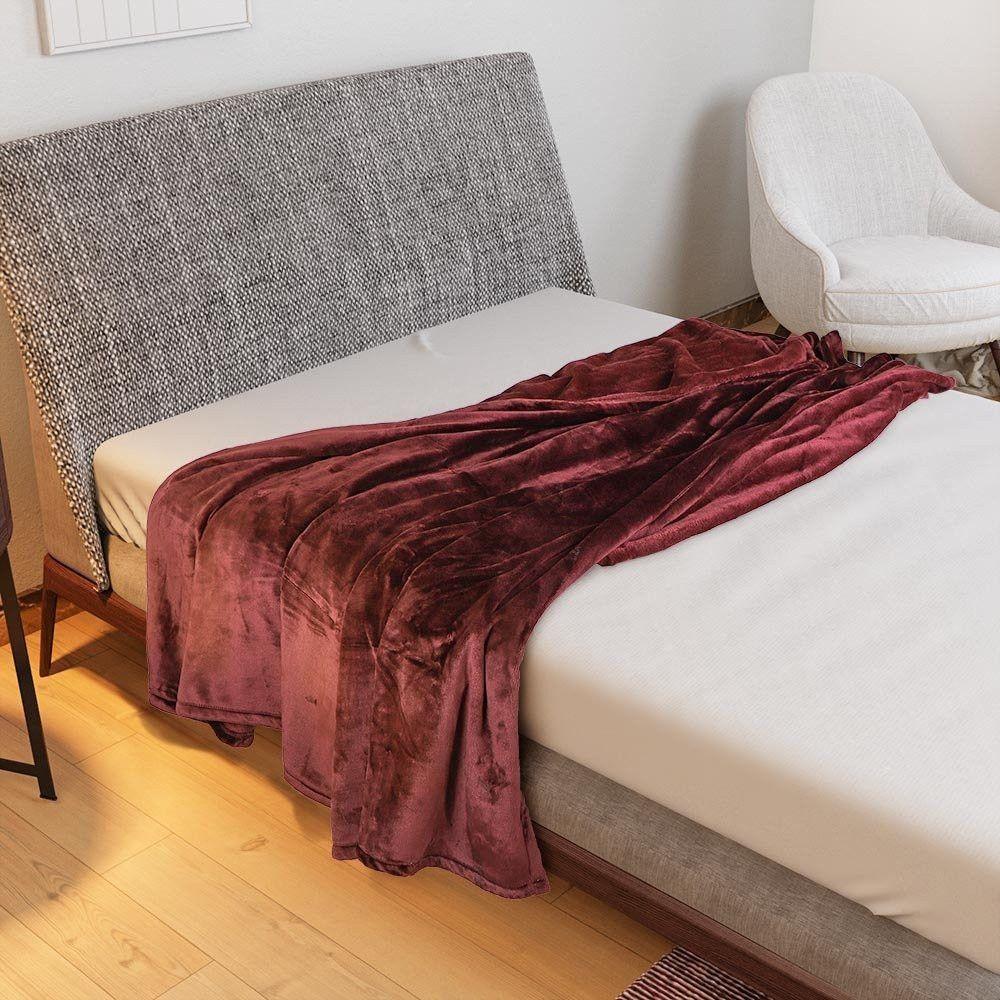 بطانية هالينا مخمل خفيف مفرد مفارش ميلين In 2021 Blanket Bed Throw Blanket