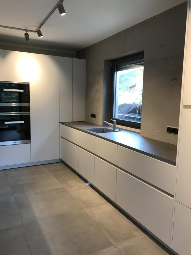cucina in cemento a vista design purista pittore marcus