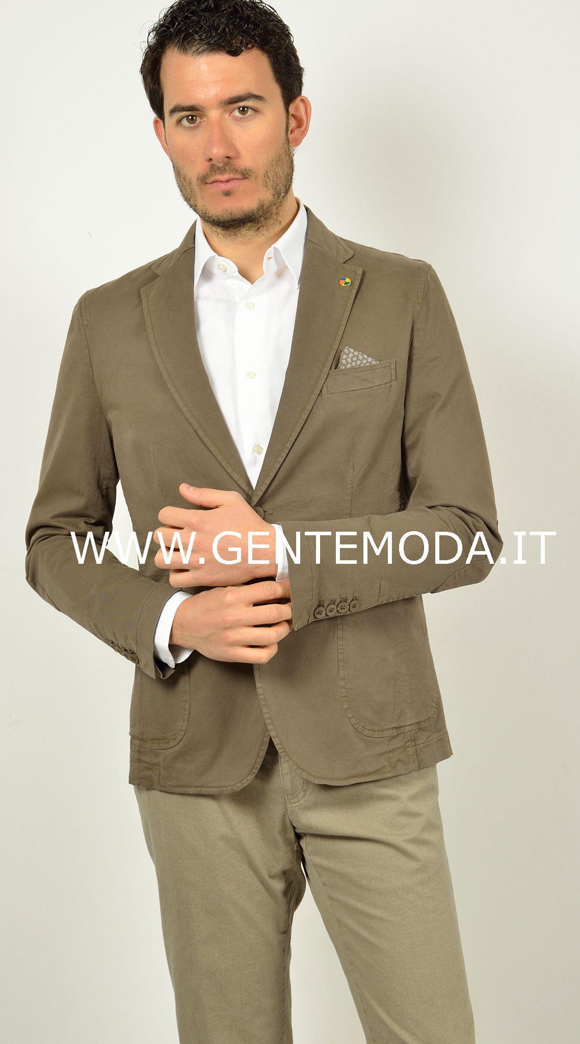 giacca beige sportiva da uomo estiva