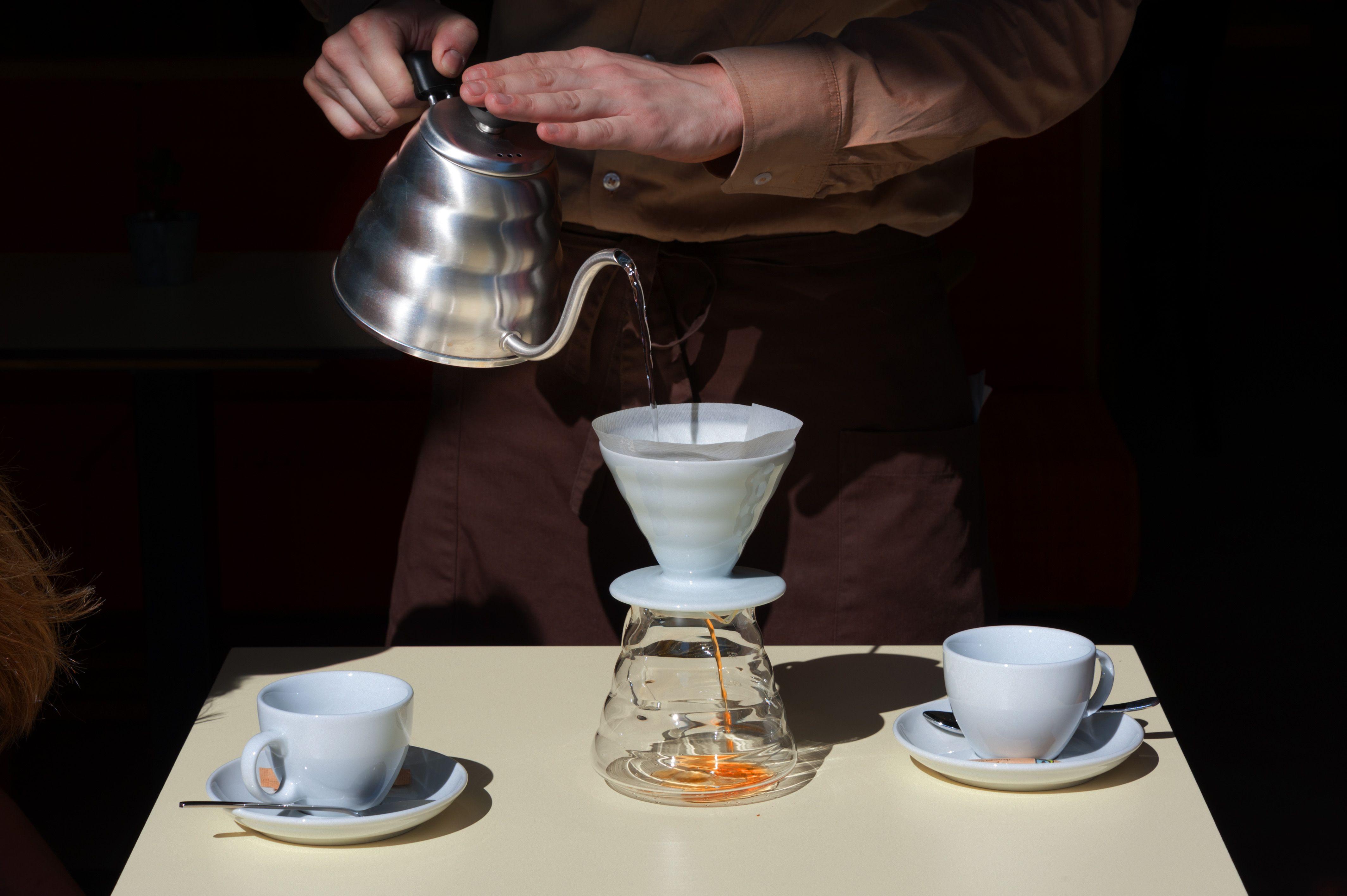 In unserem Lokal #Pergola gleich beim #Hauptbahnhof #Vienna gibt es ganz speziellen #Filterkaffee der #Kaffeefabrik. 3/3