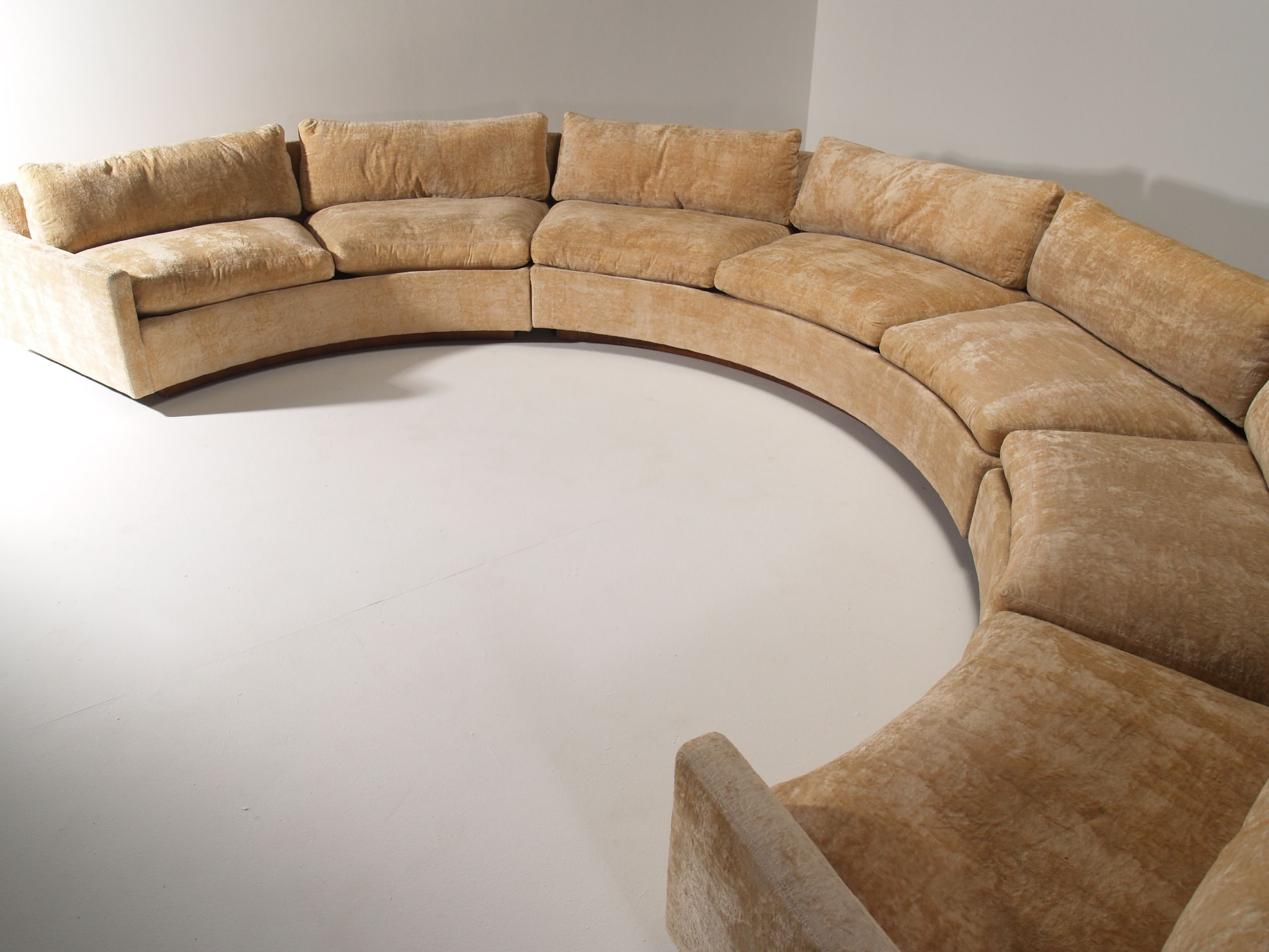 Marvellous, large curved sofa by Milo Baughman for Thayer ...
