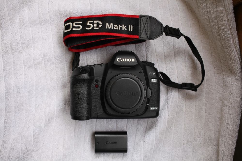 Canon Eos 5d Mark Ii Full Frame Dslr Camera Body Only Barely Used Dslr Camera Photography Gear Accessories Photography Bags