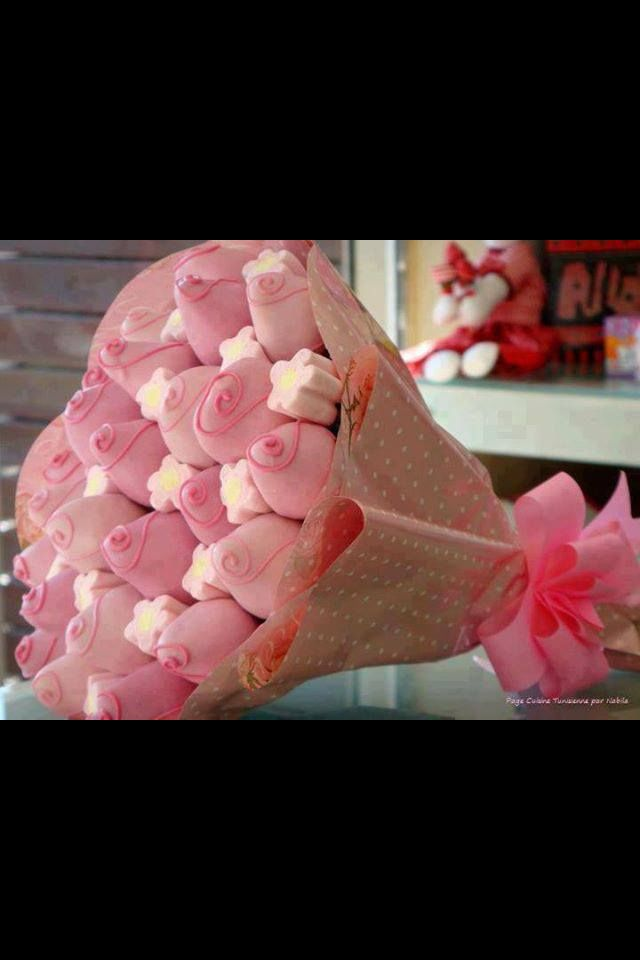 Chocolate covered strawberries made to look like a bouquet of ...