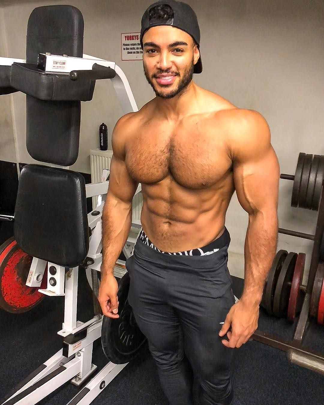 Hot Guys Shirtless At The Gym Pictures Popsugar Fitness