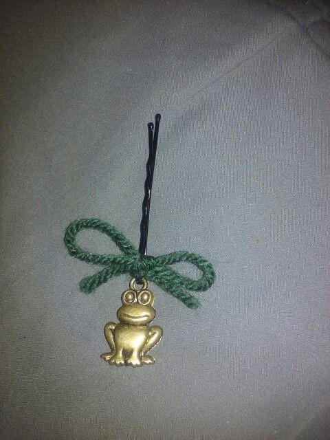 Frog Bobby pins